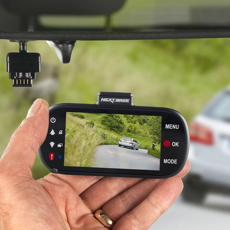 Kamera do auta s magnetickým držiakom